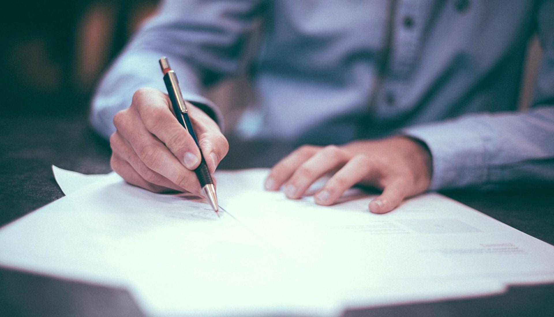 Redacción de Contratos y Notaría